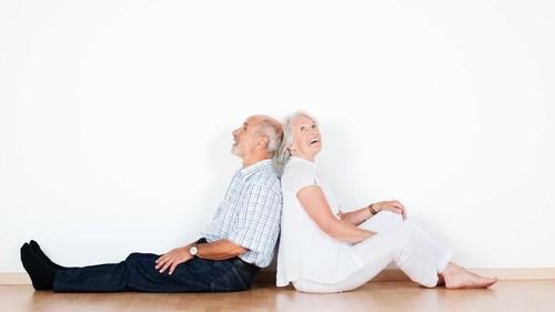 ロコモティブシンドローム(運動器症候群)とは|簡単なロコモ体操の方法とポイント