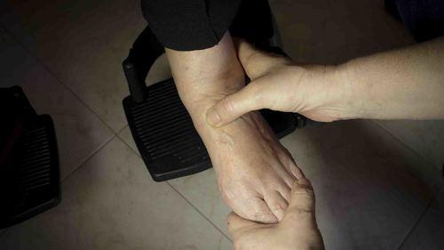 足首・ふくらはぎのストレッチに効果的な体操方法 デイサービスで座位でできる運動