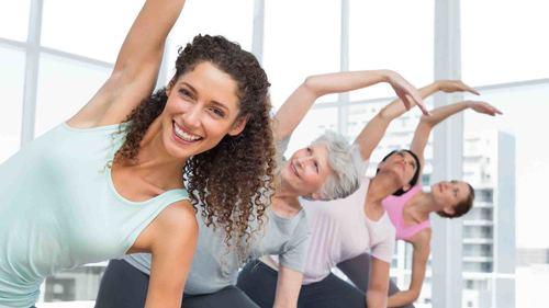 デイサービス向け介護予防・リハビリに!立ってできる20分間体操をご紹介!