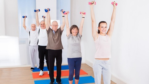 高齢者でも立位で簡単に出来る介護体操【初級編】 イラスト•写真付きで紹介