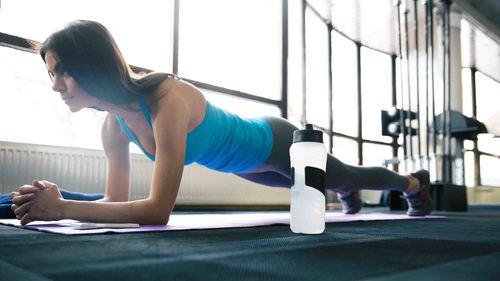 多裂筋とは|腰痛に効果的なトレーニングとストレッチ【全12種】