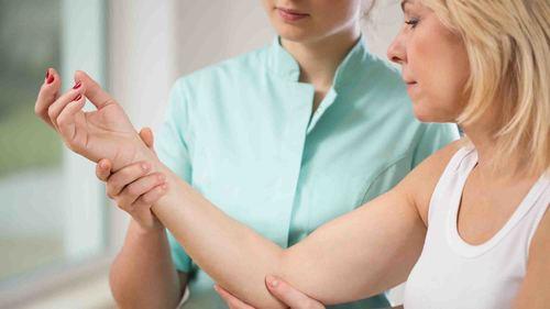 ハンドセラピィに役立つ!前腕・肘の筋力トレーニング特集
