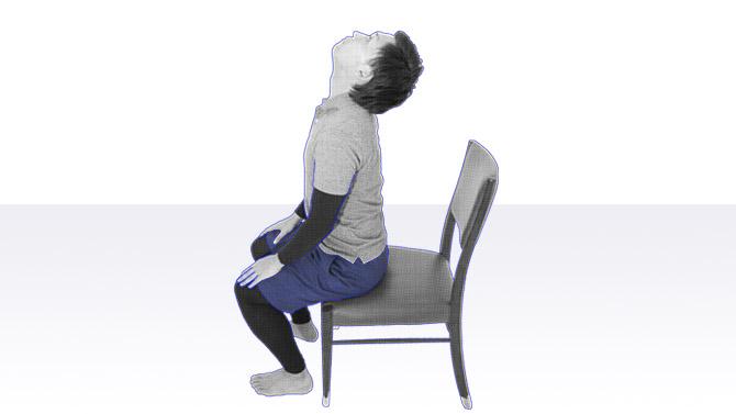 誤嚥性肺炎の予防法としての首のストレッチ・伸展